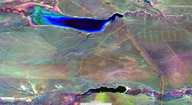 Синтезированное изображение района Аршань-Зельменского водохранилища (республика Калмыкия) получено по данным спутников серии Sentinel 2 октября 2020, 2019 и 2018 годов (c) Отдел технологий спутникового мониторинга ИКИ РАН, 2020