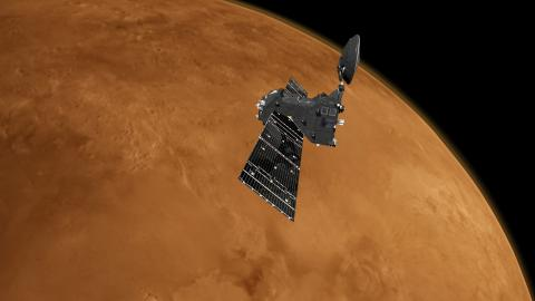 Аппарат TGO у Марса (c) ESA/ATG medialab