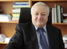 Академик Р. А. Сюняев